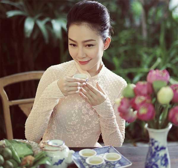 Vietnamese lotus tea has good benefits for beauty.